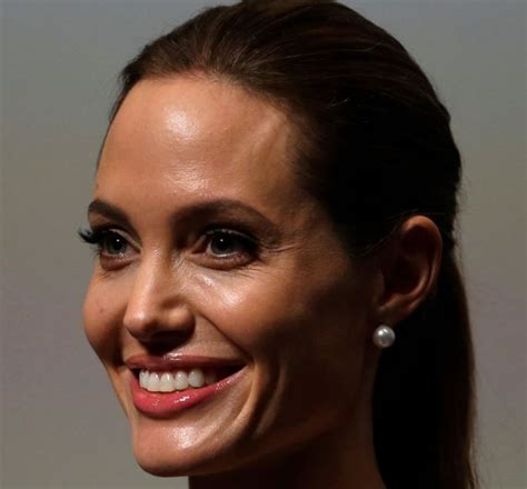 Angelina Jolie Death Hoax: Actress is Alive and Well