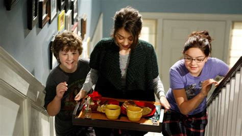 Modern Family - what time is it on TV? Episode 13 Series 2