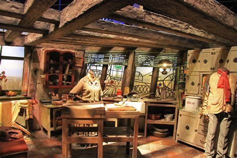 The Making of Harry Potter 29-05-2012 | The Burrow This