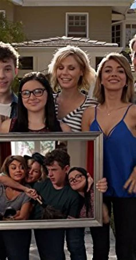 """""""Modern Family"""" Clean for a Day (TV Episode 2016) - Full"""