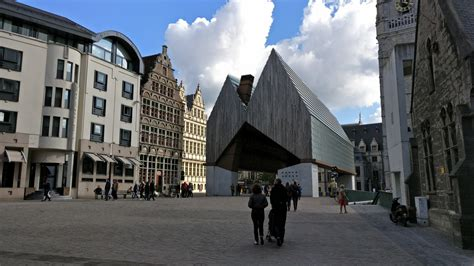 Old Town & Graffiti Street : Ghent | Visions of Travel