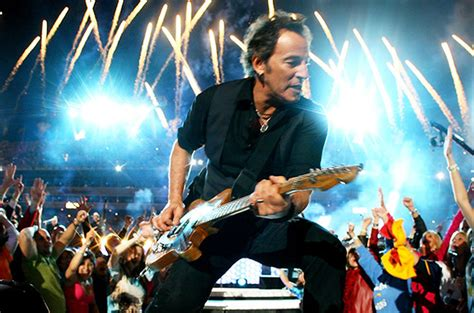 Bruce Springsteen to Tour in Early 2016 With E Street Band