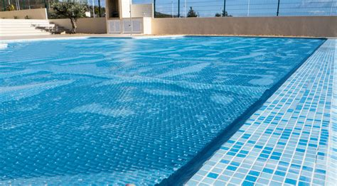 How to Choose the Right Pool Heater Size | AquaComfort
