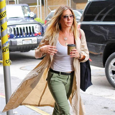 Jennifer Aniston's publicist confirms to ET that she is